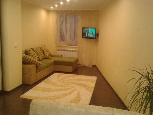 1-комнатная квартира посуточно в Трускавце. ул. Ивасюка, 7а. Фото 1