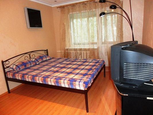 1-комнатная квартира посуточно в Мариуполе. б-р Хмельницкого, 25. Фото 1