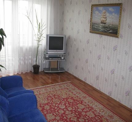 2-комнатная квартира посуточно в Чернигове. Новозаводской район, ул. Независимости, 50. Фото 1