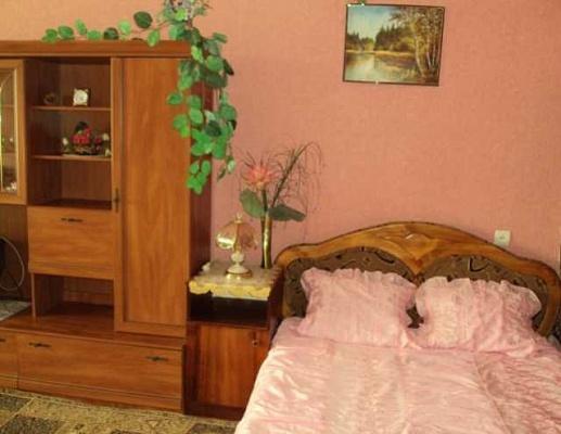 1-комнатная квартира посуточно в Севастополе. Гагаринский район, пр-т Октябрьской Революции, 43. Фото 1