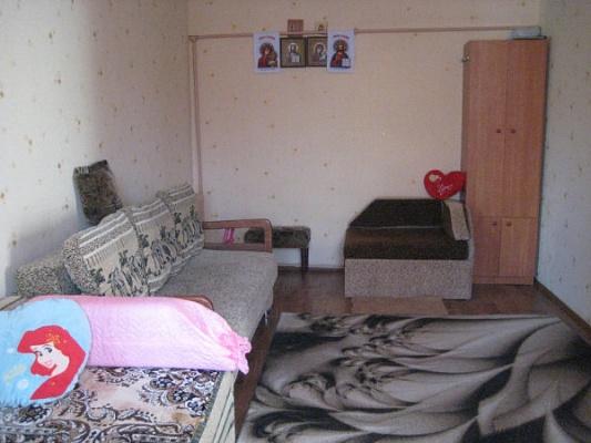 2-комнатная квартира посуточно в Одессе. Суворовский район, Шестакова, 10А. Фото 1