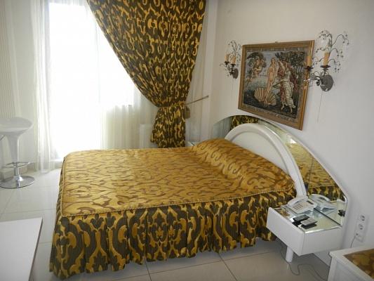 1-комнатная квартира посуточно в Одессе. Приморский район, Одесса, ул.Греческая,, 5. Фото 1