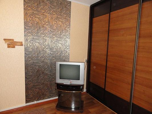 1-комнатная квартира посуточно в Никополе. ул. Шевченко, 186. Фото 1