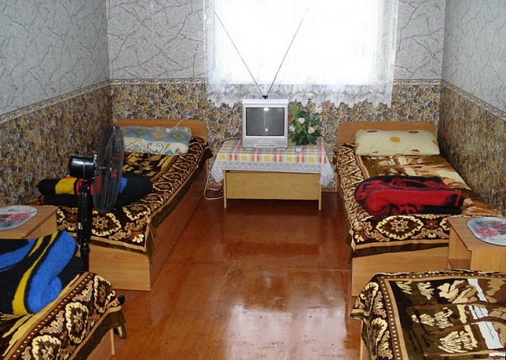 Дом  посуточно в Бердянске. ул. Энгельса. Фото 1