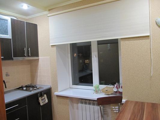 1-комнатная квартира посуточно в Северодонецке. ул. Вилесова. Фото 1
