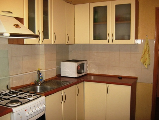 2-комнатная квартира посуточно в Одессе. Малиновский район, ул. Канатная, 19. Фото 1