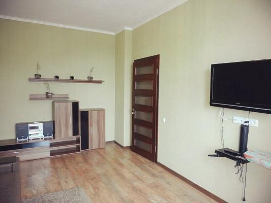 2-комнатная квартира посуточно в Бердянске. ул. Ленина, 35. Фото 1