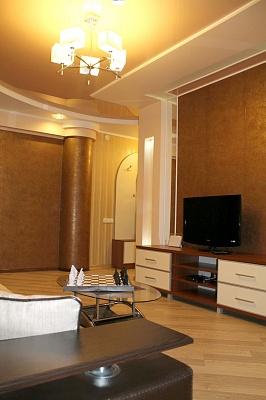 3-комнатная квартира посуточно в Луцке. ул. Свободы, 15. Фото 1