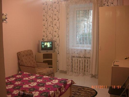 1-комнатная квартира посуточно в Ялте. ул. Свердлова, 8. Фото 1