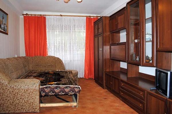 2-комнатная квартира посуточно в Киеве. Святошинский район, ул. Стеценко, 11. Фото 1
