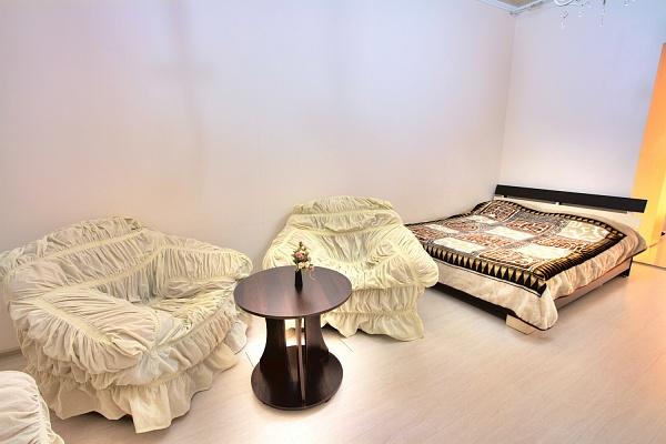 1-комнатная квартира посуточно в Одессе. Приморский район, ул. Польская, 14. Фото 1