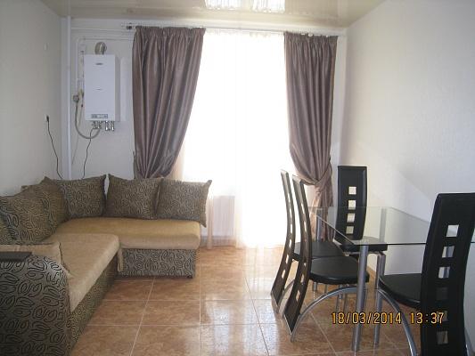 2-комнатная квартира посуточно в Симферополе. Киевский район, ул. Камская, 27. Фото 1