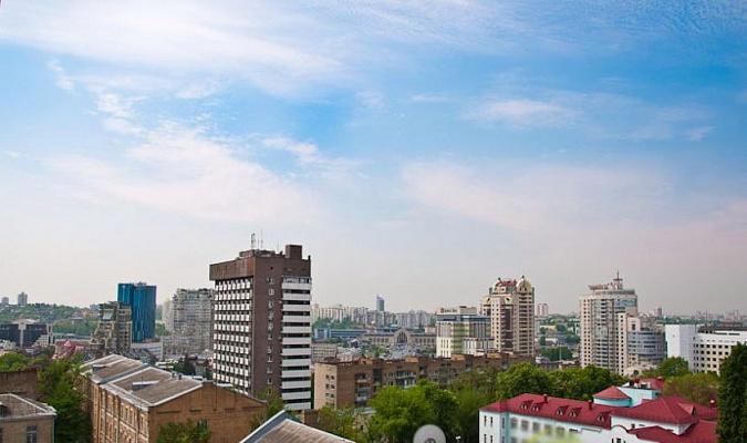 3-комнатная квартира посуточно в Киеве. Шевченковский район, ул. Б.Хмельницкого, 39. Фото 1