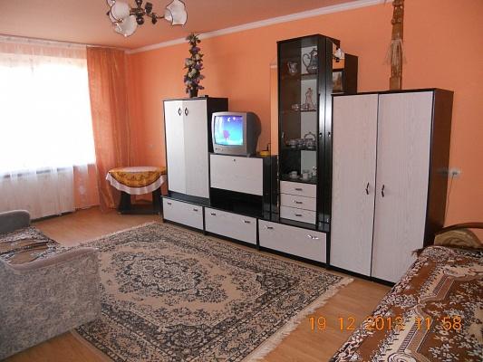 2-комнатная квартира посуточно в Берегово. ул. Шевченко, 39а. Фото 1