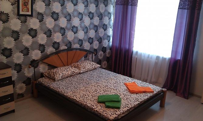 1-комнатная квартира посуточно в Киеве. Голосеевский район, ул. Горького, 124. Фото 1