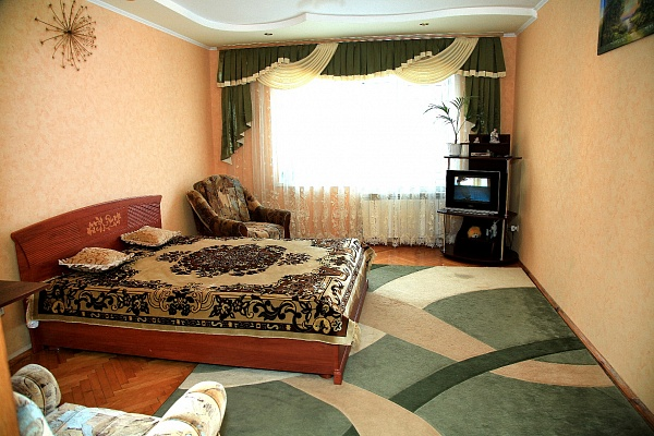 1-комнатная квартира посуточно в Хмельнике. ул. Остапа Вишни, 6/1. Фото 1