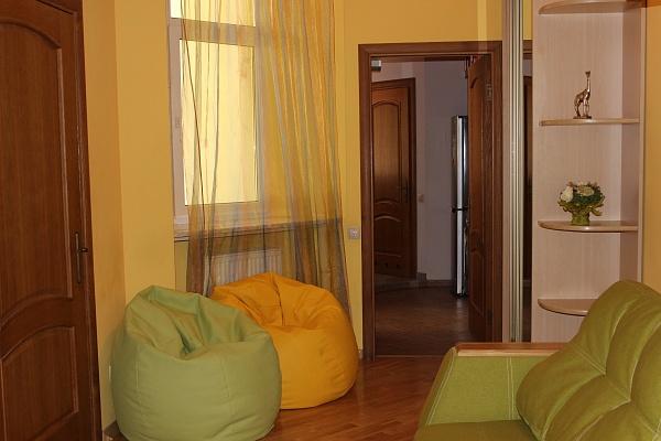 2-комнатная квартира посуточно в Львове. Галицкий район, ул. Банковская, 3. Фото 1