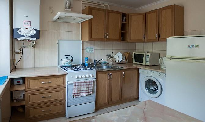 3-комнатная квартира посуточно в Трускавце. ул. Стебницкая, 74. Фото 1