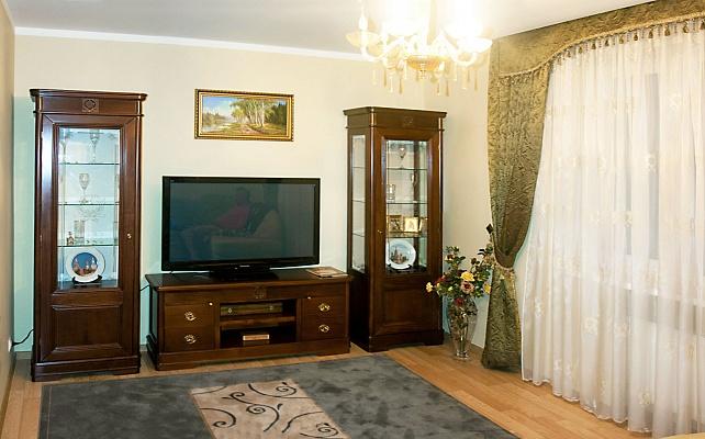 2-комнатная квартира посуточно в Трускавце. ул. Дрогобычская, 10б. Фото 1