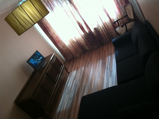2-комнатная квартира посуточно в Одессе. Киевский район, пр-т Академика Глушко, 5б. Фото 1