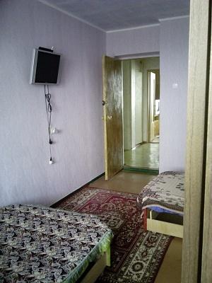 3-комнатная квартира посуточно в Бердянске. пр-т Пролетарский, 234. Фото 1
