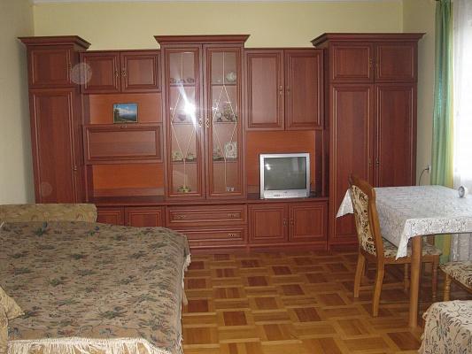 3-комнатная квартира посуточно в Трускавце. ул. Довбуша, 19. Фото 1
