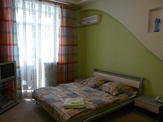 1-комнатная квартира посуточно в Киеве. Печерский район, ул. Cаксаганского, 12. Фото 1