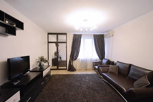 3-комнатная квартира посуточно в Киеве. Печерский район, ул. Антоновича, 104. Фото 1