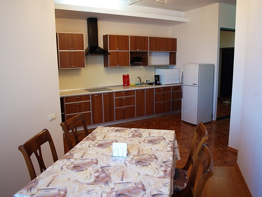 2-комнатная квартира посуточно в Одессе. Приморский район, ул.Среднефонтанская, 19б. Фото 1