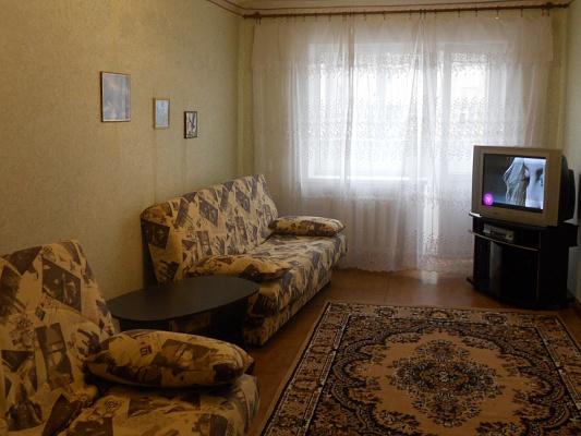 2-комнатная квартира посуточно в Донецке. ул. Ватутина, 18. Фото 1