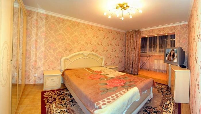 3-комнатная квартира посуточно в Трускавце. ул. Стебницкая, 78/60. Фото 1