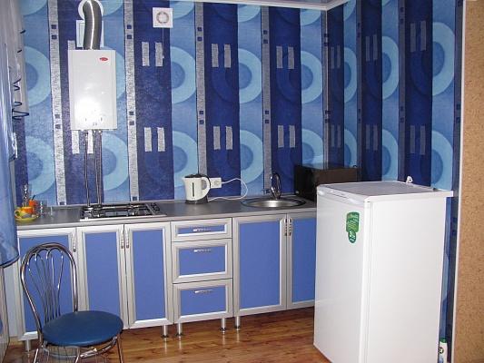 2-комнатная квартира посуточно в Запорожье. Ленинский район, Днепропетровс.шоссе, 30. Фото 1