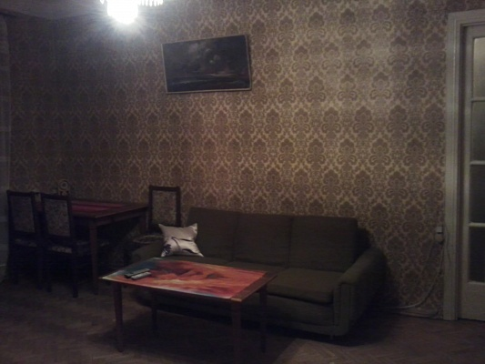2-комнатная квартира посуточно в Киеве. Печерский район, пер. Госпитальный, 1-А. Фото 1