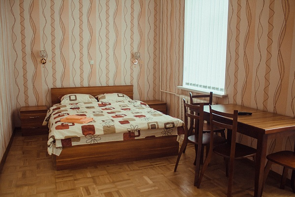1-комнатная квартира посуточно в Киеве. Голосеевский район, ул. Горького, 38 Б. Фото 1