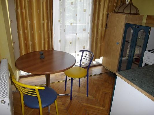 1-комнатная квартира посуточно в Ужгороде. ул. Собранецкая , 27. Фото 1