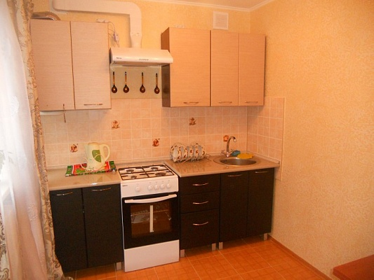 3-комнатная квартира посуточно в Феодосии. ул. Галерейная, 13. Фото 1