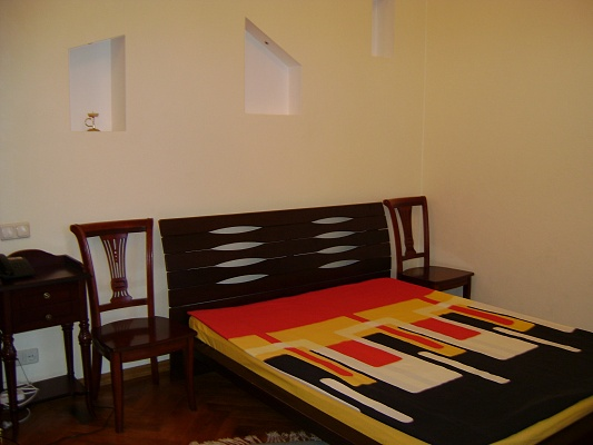 1-комнатная квартира посуточно в Одессе. Приморский район, ул. Дерибасовская, 22. Фото 1