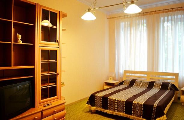 2-комнатная квартира посуточно в Львове. Франковский район, ул. Русовых, 10. Фото 1