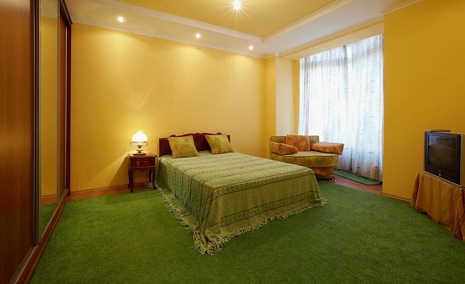 1-комнатная квартира посуточно в Львове. Сыховский район, ул. Драгана, 34. Фото 1