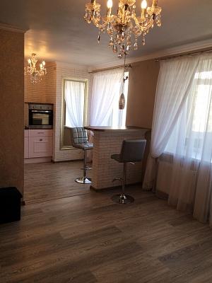 1-комнатная квартира посуточно в Полтаве. Киевский район, ул. Шевченко , 75. Фото 1