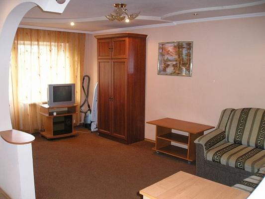 1-комнатная квартира посуточно в Донецке. Ворошиловский район, пр-т Ильича, 15. Фото 1