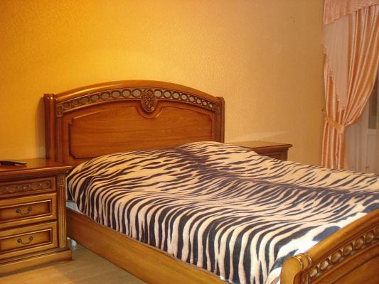 2-комнатная квартира посуточно в Трускавце. ул. Cагайдачного, 10. Фото 1