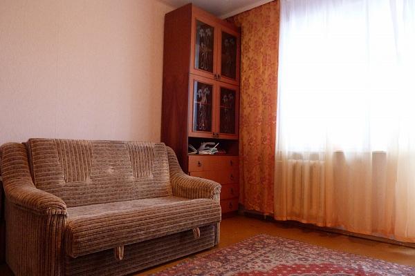 2-комнатная квартира посуточно в Севастополе. Гагаринский район, пр-т Октябрьской революции, 22. Фото 1