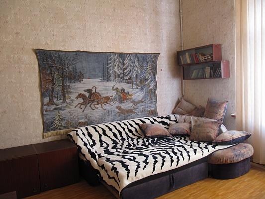2-комнатная квартира посуточно в Одессе. Приморский район, пр-т Шевченко, 8 В. Фото 1