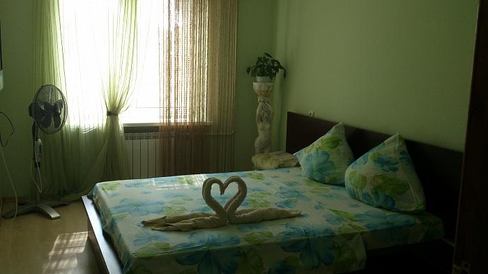 2-комнатная квартира посуточно в Черновцах. Шевченковский район, ул. Полетаева, 14. Фото 1