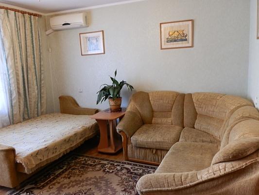 2-комнатная квартира посуточно в Виннице. Замостянский район, ул. Брацлавская (Островского), 62. Фото 1