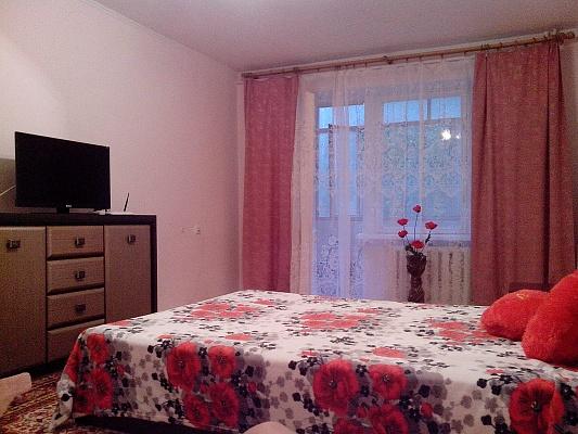1-комнатная квартира посуточно в Симферополе. Железнодорожный район, ул. Ларионова, 34. Фото 1