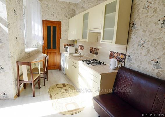 2-комнатная квартира посуточно в Львове. Галицкий район, ул. Кулиша, 5. Фото 1
