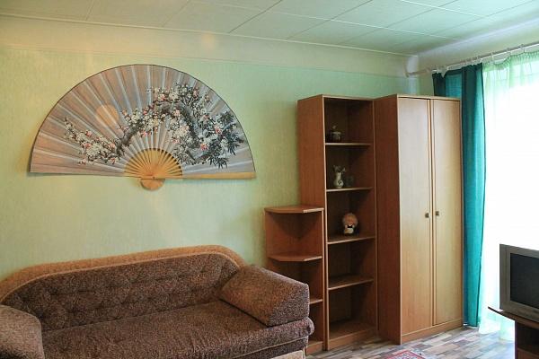 1-комнатная квартира посуточно в Алчевске. пр-т Ленина, 26. Фото 1