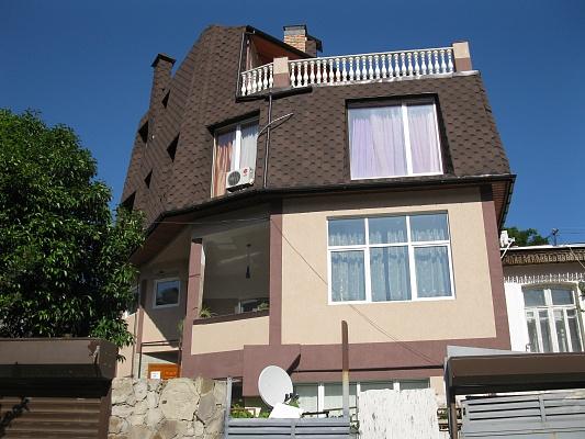 1-комнатная квартира посуточно в Ялте. ул. Боткинская, 1б. Фото 1